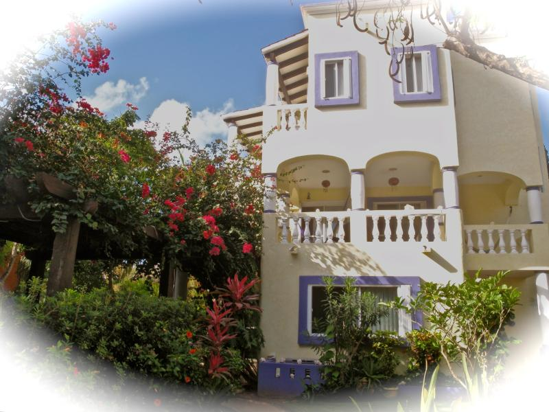 Welcome to our Villa! - Beautiful 3 Bdrm. Villa-steps to beach & town! - Playa del Carmen - rentals