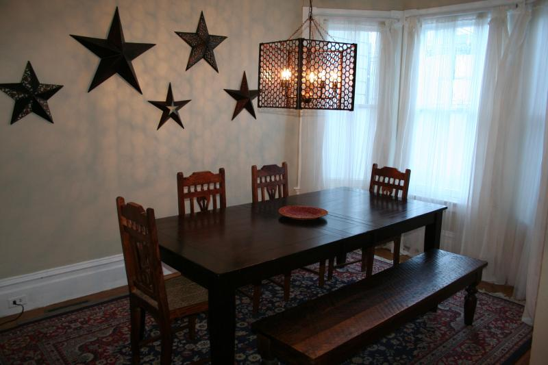 Formal dining room at front of apartment - ~Casa de Julia, WIFI, laundry, child friendly - San Francisco - rentals