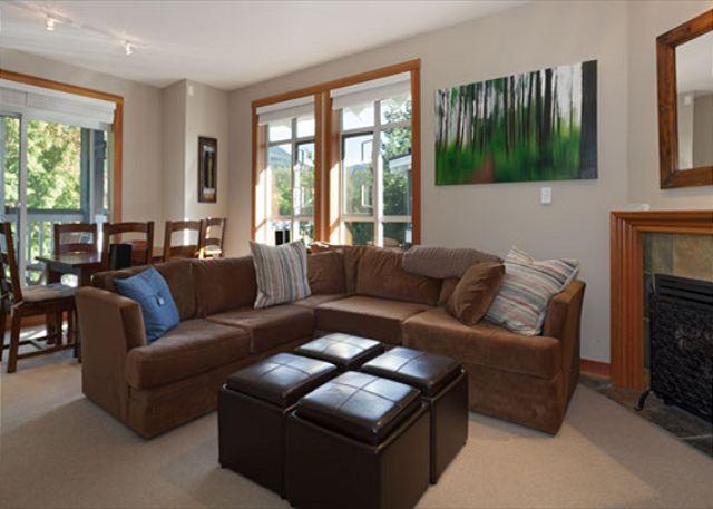 Open Concept Living Room - Granite Court #407 |  1 Bedroom Renovated Townhome in Village North, Parking - Whistler - rentals