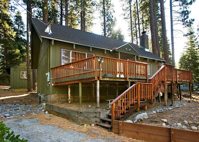 Tahoe, Nadowa Cabin, exterior - Comfortable, updated Mountain Style Cabin. - South Lake Tahoe - rentals