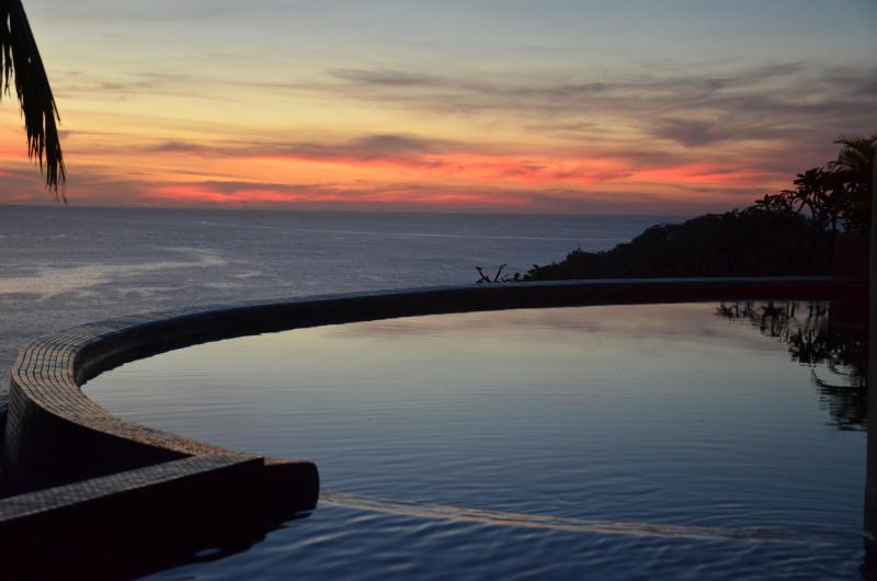 Pool and sunset - Villa Noche, 5 star home with spectacular ocean views from every room - San Juan del Sur - rentals