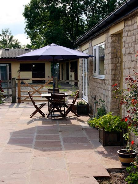 BECKHILL COTTAGE, pet friendly, country holiday cottage, with hot tub in Brandsby, Ref 2503 - Image 1 - Brandsby - rentals