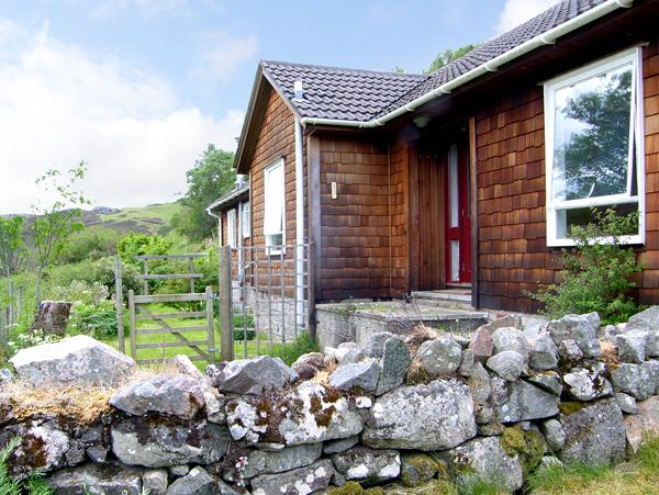 RECROY, pet friendly, country holiday cottage, with a garden in Nedd, Ref 2589 - Image 1 - Nedd - rentals