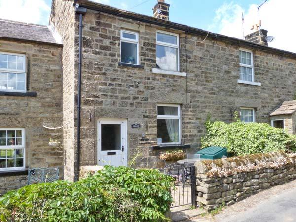 NIDCOT, family friendly, character holiday cottage, with open fire in Lofthouse, Ref 2516 - Image 1 - Lofthouse - rentals