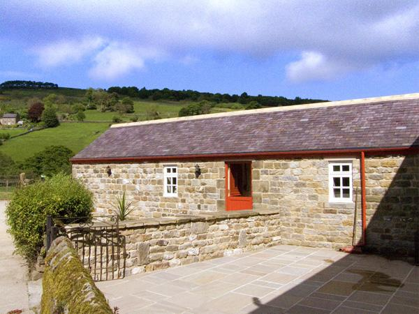 RIVER VIEW, country holiday cottage, with a garden in Pateley Bridge, Ref 3532 - Image 1 - Pateley Bridge - rentals