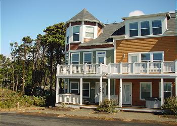 Bella Breeze~Peek of the Ocean - Image 1 - Depoe Bay - rentals