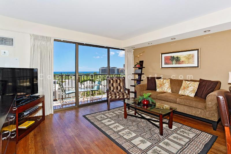 Four Paddle #1008 - Four Paddle one bedroom with gourmet kitchen, washer/dryer, Wifi and parking. - Image 1 - Waikiki - rentals