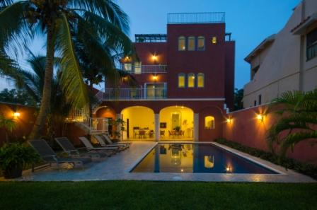 Summer Place Inn sleeps from 1 to 13 persons. - Image 1 - Cozumel - rentals