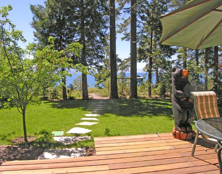 Lake Tahoe is your back year - Burch Tahoe Lakefront - Hot Tub & Dog Friendly - Carnelian Bay - rentals