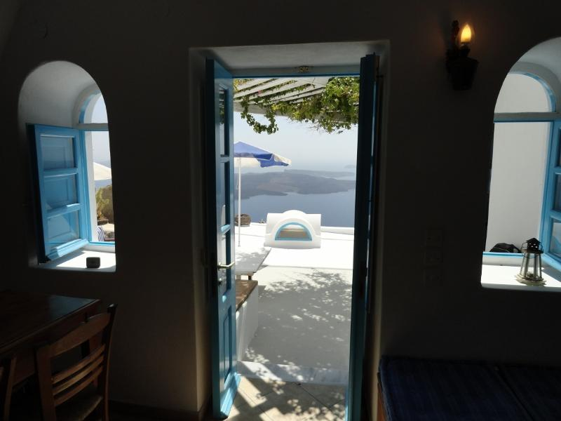 The view from inside the living room - Traditional 2bdr Cave House with amazing view!!! - Imerovigli - rentals