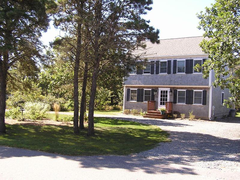 Oct. 4-13 And Columbus Day Weekend Is Available. - Image 1 - Edgartown - rentals