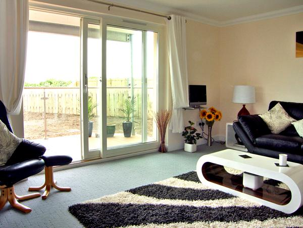 GOLF VIEW APARTMENT, pet friendly, with a garden in Nairn, Ref 2533 - Image 1 - Nairn - rentals