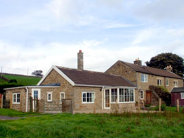 HURY LODGE, pet friendly, luxury holiday cottage, with a garden in Baldersdale, Ref 1933 - Image 1 - Barnard Castle - rentals