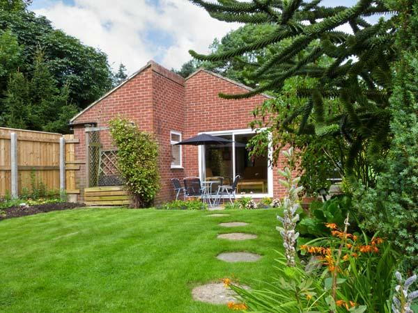 THORNLEA, family friendly, country holiday cottage, with a garden in Richmond, Ref 249 - Image 1 - Richmond - rentals