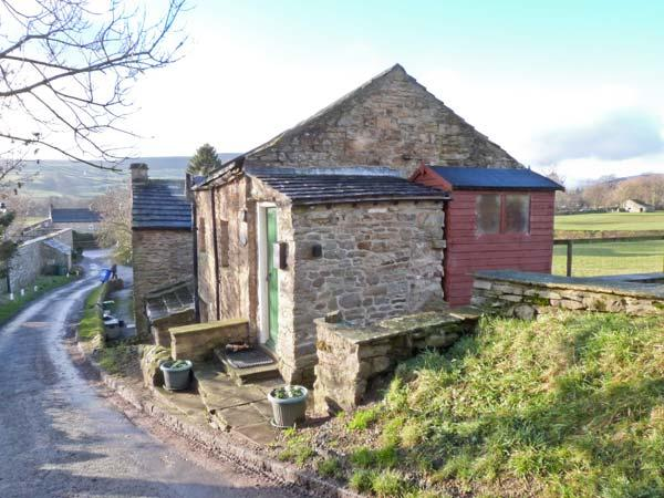 HOBSON'S COTTAGE, pet friendly, character holiday cottage, with a garden in Fremington Near Reeth, Ref 752 - Image 1 - Fremington - rentals