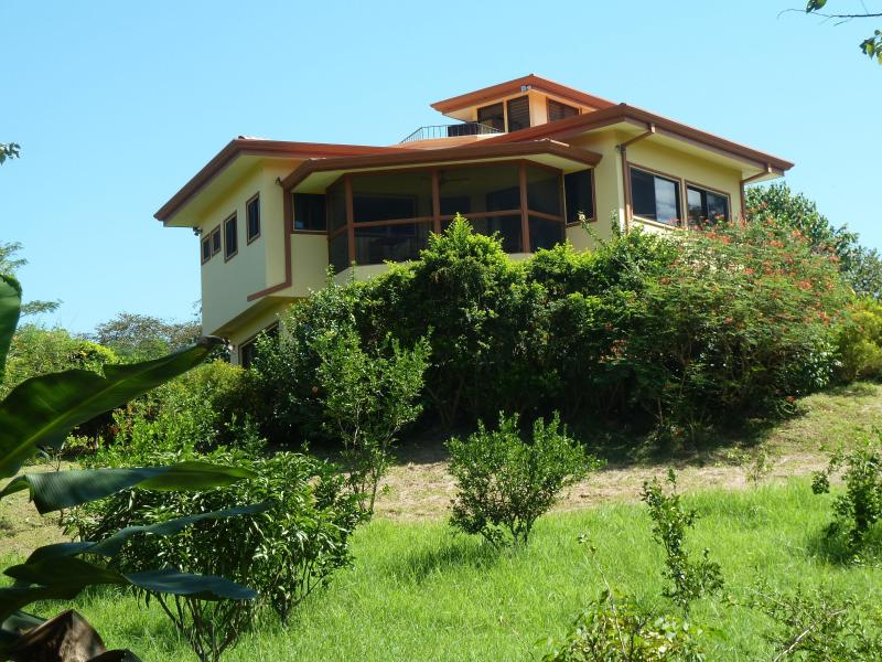 View from the fruit orchard - Ocean View, House in Environmental Estate - Playa Junquillal - rentals