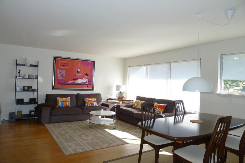 Spacious living dining area - Capitol Hill..Harrison Modern Deluxe Vacation Apts - Seattle - rentals