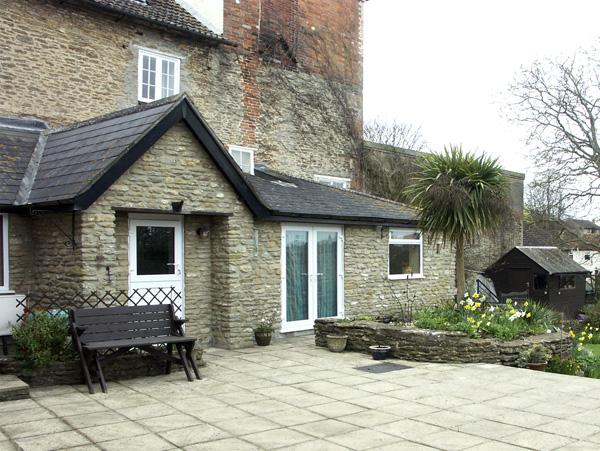 FRODOS, country holiday cottage, with a garden in Henstridge, Ref 1627 - Image 1 - Stalbridge - rentals