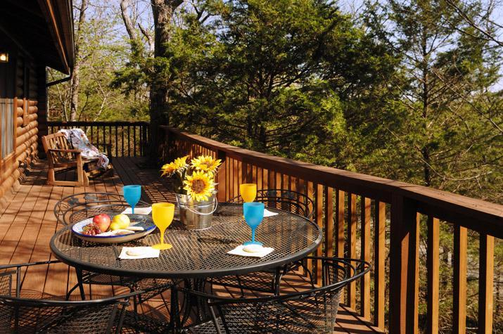 Authentic log construction with large deck - Resort 2BR/BA Log Cabin: Wooded Views! 2 Pools! - Branson - rentals