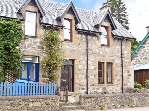 HILLSIDE EAST, character holiday cottage in Kingussie, Ref 1557 - Image 1 - Kingussie - rentals