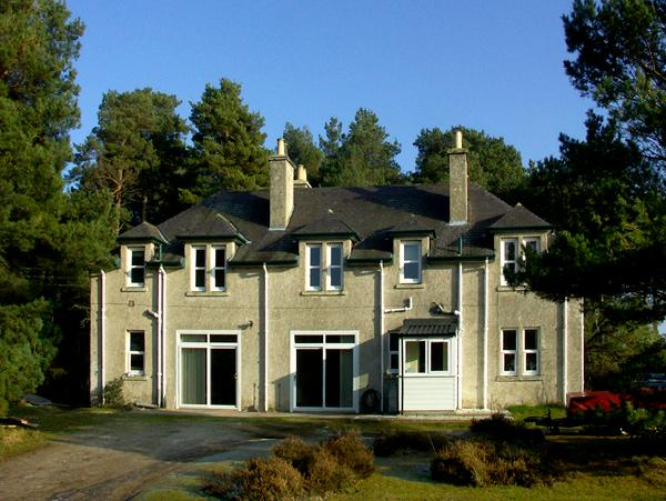CASKIEBEN COTTAGE NO. 2, with a garden in Nairn, Ref 1704 - Image 1 - Nairn - rentals