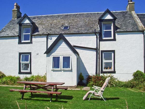 PENNYSEORACH FARM, pet friendly, country holiday cottage, with a garden in Southend, Kintyre Peninsula, Ref 2979 - Image 1 - Campbeltown - rentals