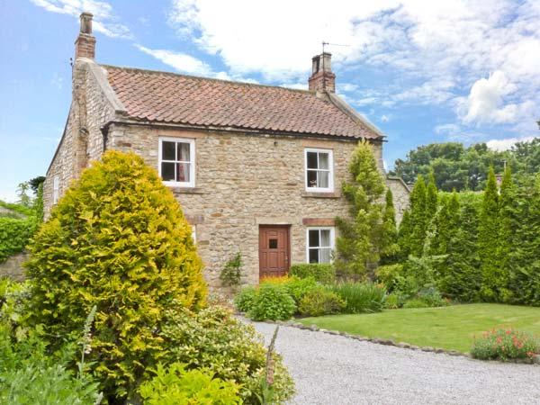 ROSE COTTAGE, pet friendly, character holiday cottage, with a garden in Piercebridge, Ref 1710 - Image 1 - Piercebridge - rentals