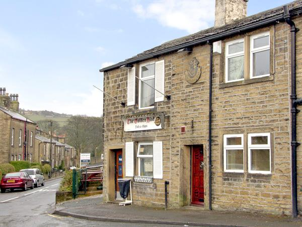 BUTTERFIELD COTTAGE, family friendly, country holiday cottage in Haworth, Ref 2447 - Image 1 - Haworth - rentals