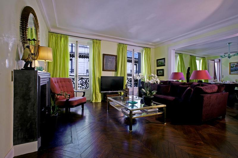 Welcome to Rue des Saints Pères! - Luxury Paris 3 BDRM with Excellent Amenities! - Clichy - rentals