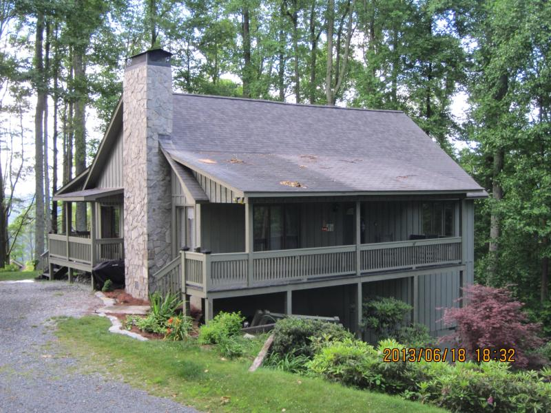 picture of front of the house - 'Enjoy the view 'on top of the mountain!' - Boone - rentals