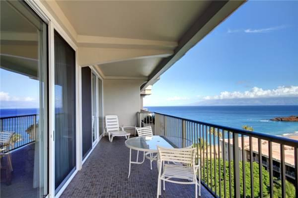 Picturesque 1 Bedroom, 2 Bathroom House in Lahaina (Whaler #1124 (1/2 Ocean View)) - Image 1 - Lahaina - rentals