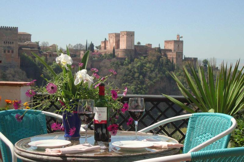 Amazing views of the Alhambra Palace - La Torre - Amazing views and Charm! - Granada - rentals