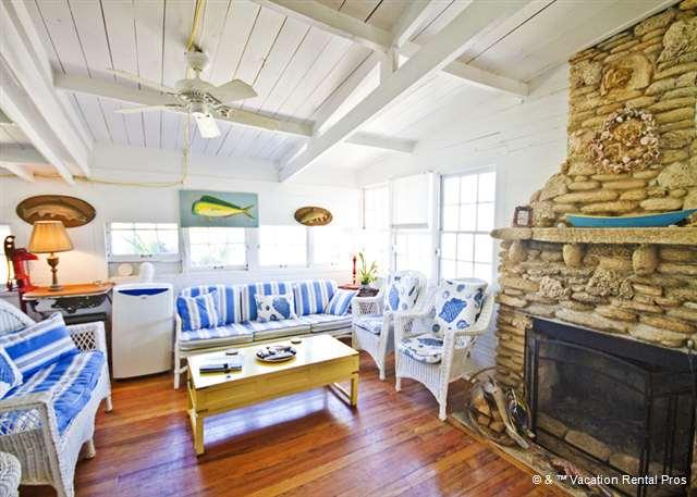 History and comfort come together in The Hut! - The Hut Historic Ocean Front Cottage, LCD TV, Wifi - Saint Augustine - rentals