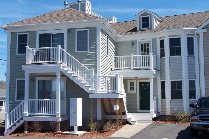 Front view - Pristine condo overlooking Herring River - West Harwich - rentals