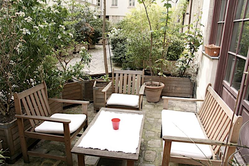 Private Courtyard for Apartment for personal enjoyment and extra space - 012 - Private Terrace Amelot - 3rd Arrondissement Temple - rentals