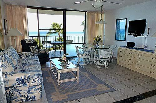 607 Living Room Looking Out at Ocean - Maui dream vacation at oceanfront studio - Kahana - rentals