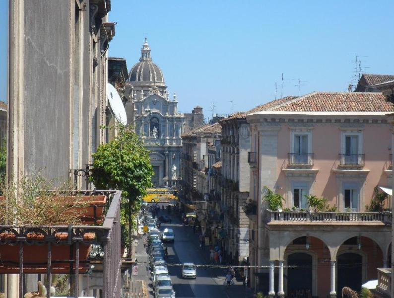 View from balconies - Just right for the perfect city escape up to 16 ! - Catania - rentals