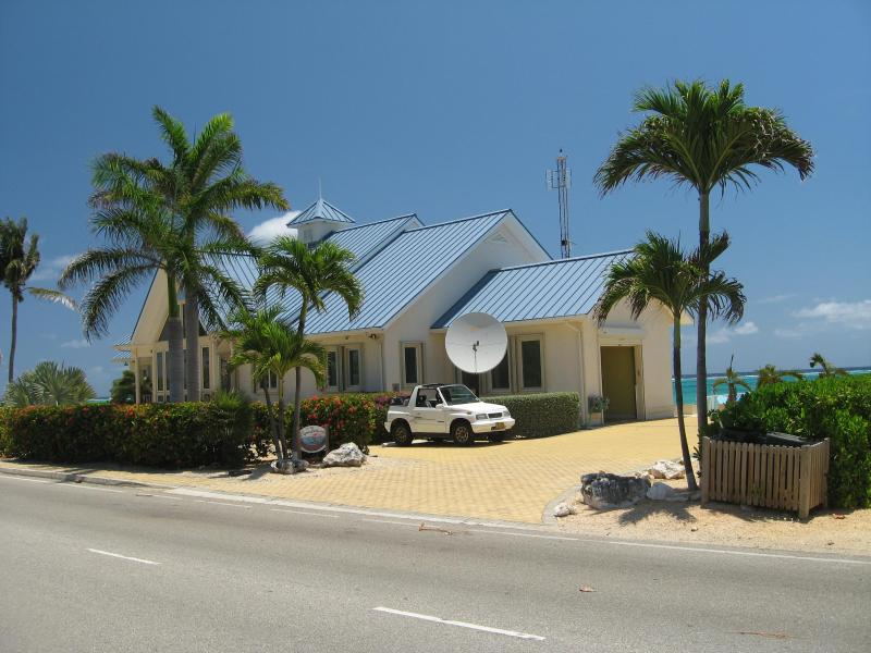 Caymanchillin Road side view - CaymanChillin, On the Sea,Grand Cayman, East End - East End - rentals