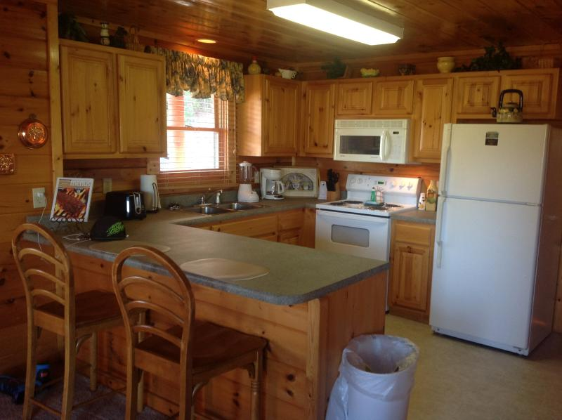 Cabin - Tranquility a two bedroom cabin - Pigeon Forge - rentals