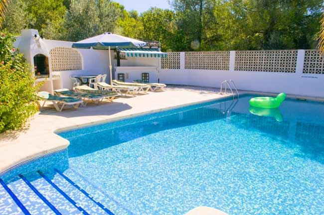 The large private pool with terrace surround and sunbeds for all - Villa Luis, Jávea, 5 bed, 2 bath, pool - Javea - rentals