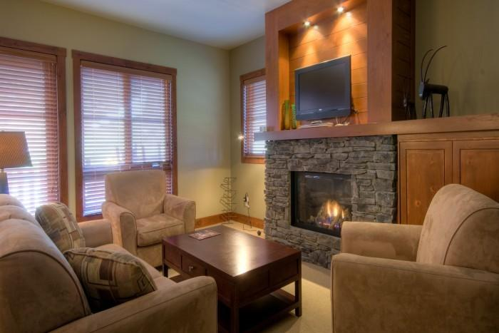 Wonderful House with 2 BR/3 BA in Mont Tremblant (Etoile du Matin | 1500-06) - Image 1 - Mont Tremblant - rentals