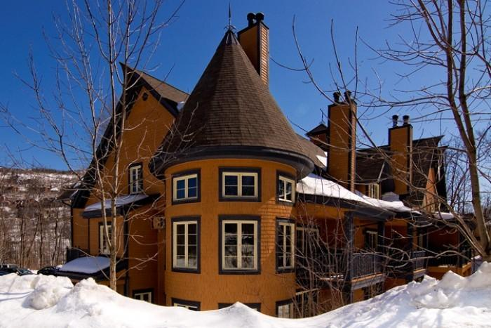 Heavenly 2 Bedroom/2 Bathroom House in Mont Tremblant (Les Manoirs | 110-9) - Image 1 - Mont Tremblant - rentals