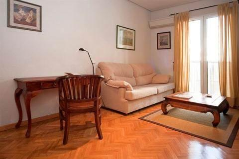 Heart of Madrid: Gran Via Sol Apartment - Image 1 - World - rentals