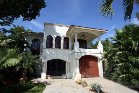 The Front of Casa Manantial - Luxurious Dream Golf Course Villa  - Manantial - Playa del Carmen - rentals