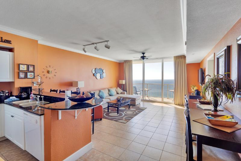 ON the Beach - Master Suite faces Gulf of Mexico - Image 1 - Panama City Beach - rentals