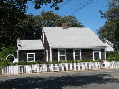 CHARMING EDGARTOWN VILLAGE COTTAGE - EDG HMIM-80 - Image 1 - Edgartown - rentals