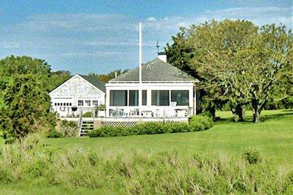 THE BOATHOUSE ON EEL POND: ROMANTIC WATERFRONT ESCAPE WITH PRIVATE OCEAN BEACH - EDG AALL-143 - Image 1 - Edgartown - rentals