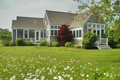 WILDFLOWER COTTAGE: ROLLING MEADOWS WITH POOL & HOT TUB - EDG BKEN-23B - Image 1 - Edgartown - rentals