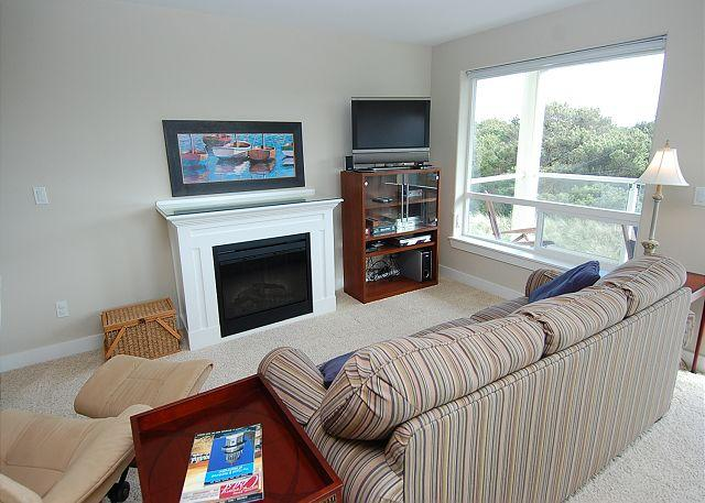Unit 1324 Living Room - Beautiful 1-BD beach home!  Walk to beach & lighthouse! - Westport - rentals