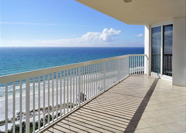 BEACHFRONT LUXURY FOR 8! OUTSTANDING VIEWS! SAVE 10% SEPT/OCT! - Image 1 - Destin - rentals